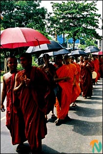 monks_protest_110502.jpg