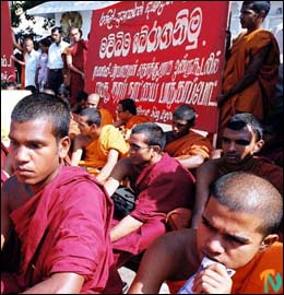 monks_protest_210202.jpg
