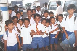 school-children-vavuniya_190799.jpg