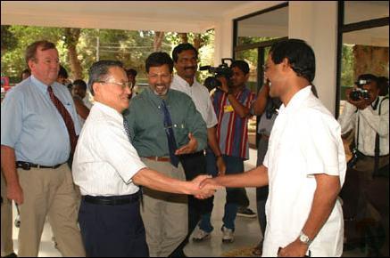Tamilnet 070303 Adb President Visits Killinochchi Holds Talks