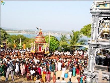 tamilnet 04 04 03 chariot festival at koneswaram after