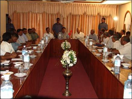 TNA MPs, Pirapaharan discuss peace talks, ISGA