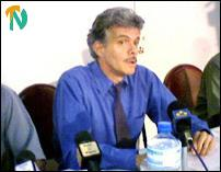 Mr. Bill Van Auken, a US presidential candidate, addressing a press conference in Colombo