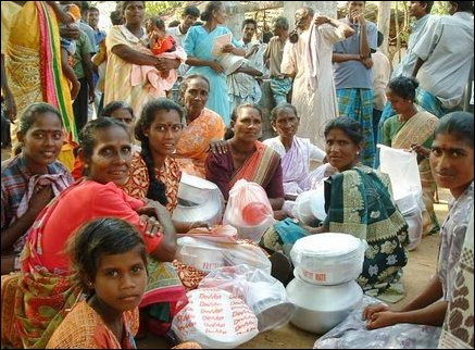 Eeachilampathu victims with cooking utensils, mats