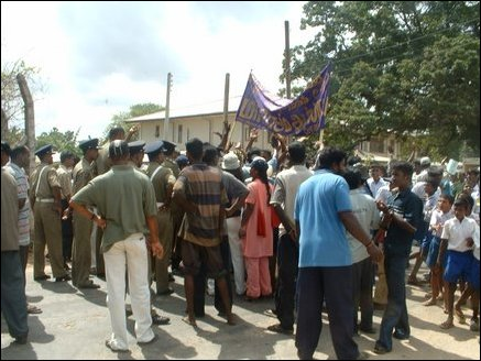 IDPs entering HSZ blocked by SL Police