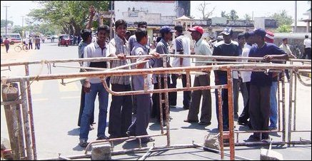Tamil youth block roads in Trinco