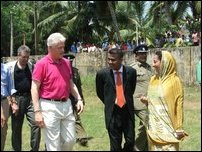 Bill Clinton visits Kalmunai