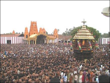 tamilnet 02 09 05 devotees throng nallur chariot festival