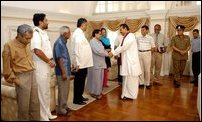 Rajapakse meets delegation