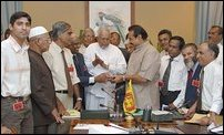 Rajapakse meets Muslims