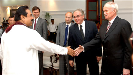Co-Chairs' ambassadors meet Sri Lanka's President
