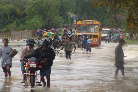 Torrential rains, floods add to the woes of IDPs in Vanni