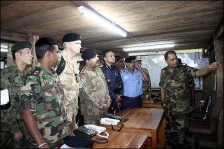 Defence Advisors/Attaches of 7 countries visit Sri Lankan SF HQ in Vanni
