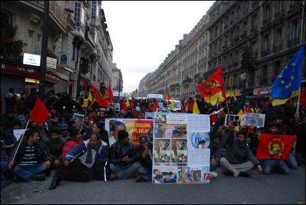 French Tamils demonstrate against killings