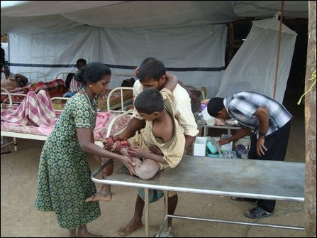 Wounded civilians at makeshift hospital in Vanni, 28 January, 2009