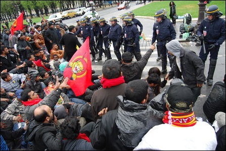 Young Tamil protestors in Paris