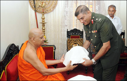 SLA Commander with Asgiriya Mahanayake
