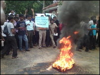 Students protest against attack on Thavapalan