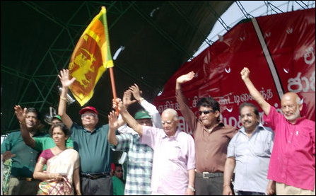 Ranil wants Sampanthan to carry Lion flag