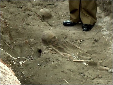 Mass graves found in Mannaar