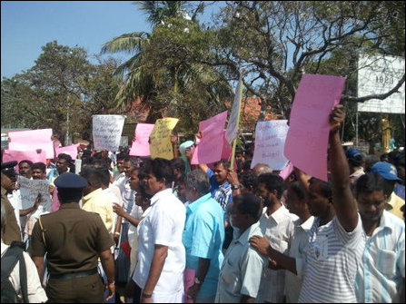 Fishermen protest against Indian poaching in Mannaar
