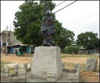 Gandhi statue at Mullaiththeevu