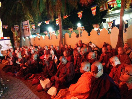 Monks visit to Nayinaatheevu