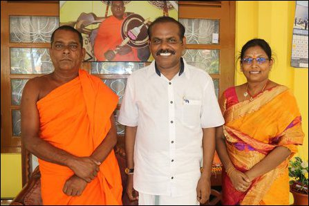 Indian mission in Jaffna entertains Sinhala monk engaged in controversial Vihara project