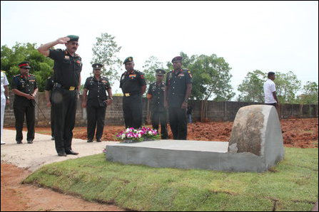 P.M. Hariz lays floral wreath at Koappaay
